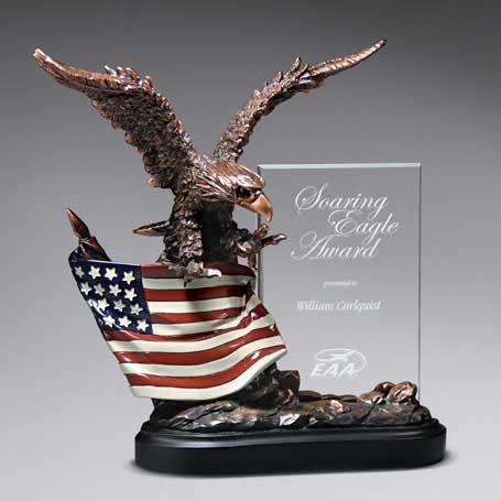 CD446 - Highflying Bronze Eagle w/ Flag