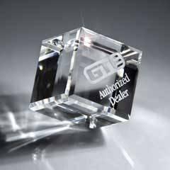 Optic Clear Crystal Cube (med)