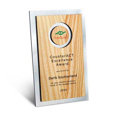 CD947AA - Circle Cutout Wood and Silver Backer Digi-Color Plaque