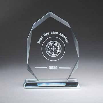 GM716A - Clear Glass Arrowhead on Base,